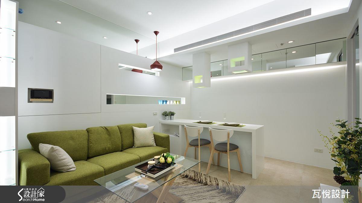 建議採用白光時以間接照明設計,避免過度刺眼;另外可以巧妙在玄關、天花板或是牆面加入局部明鏡,達到二度提亮效果。 >> 看完整圖庫