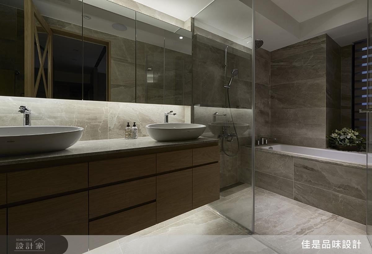 浴廁別於以往,依屋主喜好採用雙洗手檯,便利使用並節省時間。