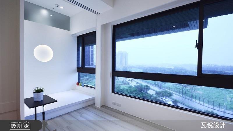 臥榻區為上掀式床板增加收納空間,拉門的增設,兼具多功能客房。 >>看完整圖庫