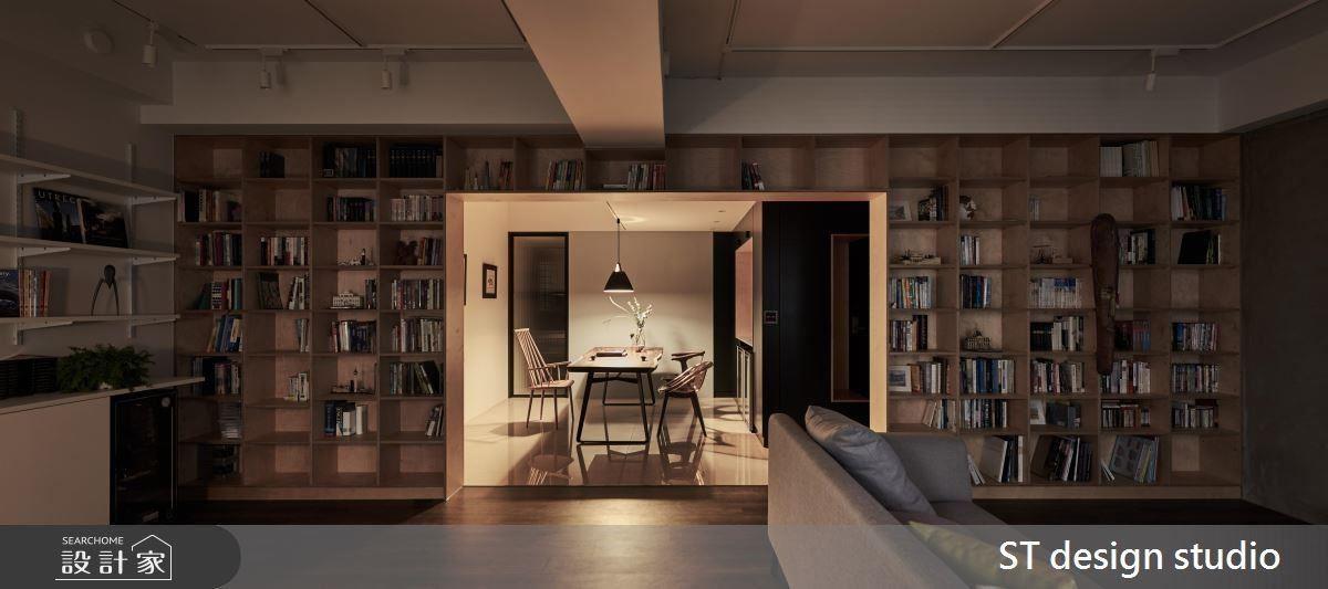 沉穩色調結合木質元素,帶出慵懶舒適的生活情境。