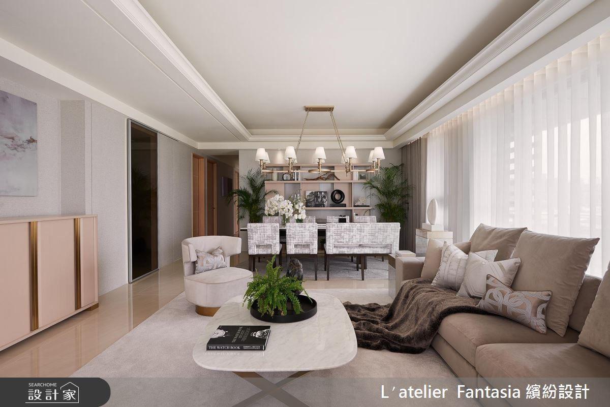 順應原始屋宅木皮門框、拋光石英磚地板,運用淡雅色系家具與軟件的搭配,發散南法空間氣質。