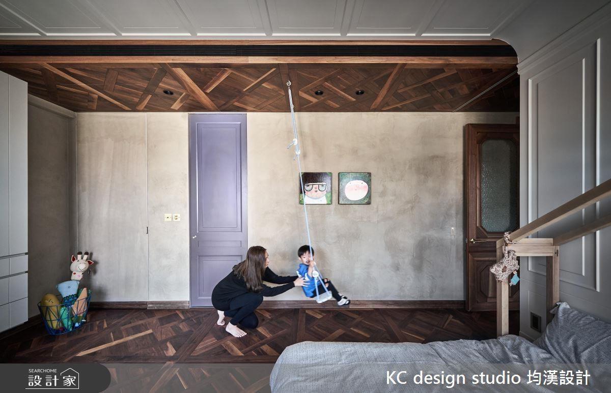 秋千架、童趣小木屋設計,為小孩房增添活潑氛圍。