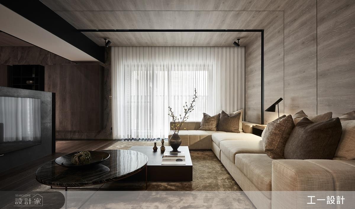 天地壁的整合、精準質材穿搭,構建質感優雅生活場域。