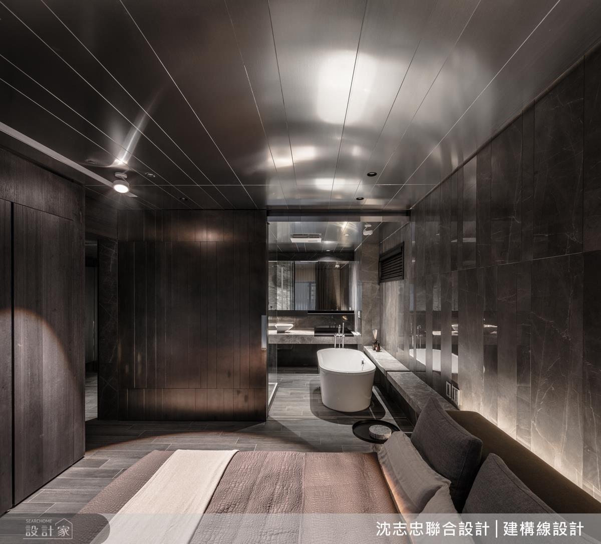 因應屋主獨自使用主臥,以全開放式的格局呈現,藉由拉門賦予空間彈性化。