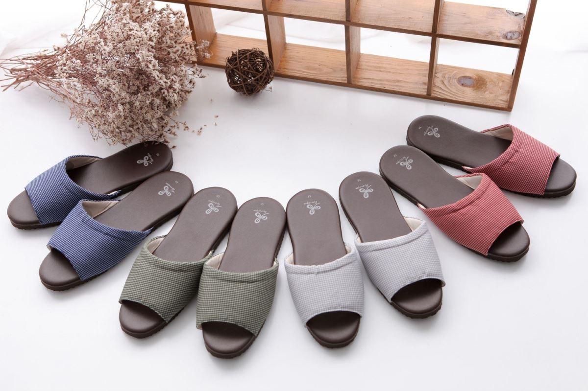 一雙有設計感、品質好的拖鞋,可以增添空間質感。