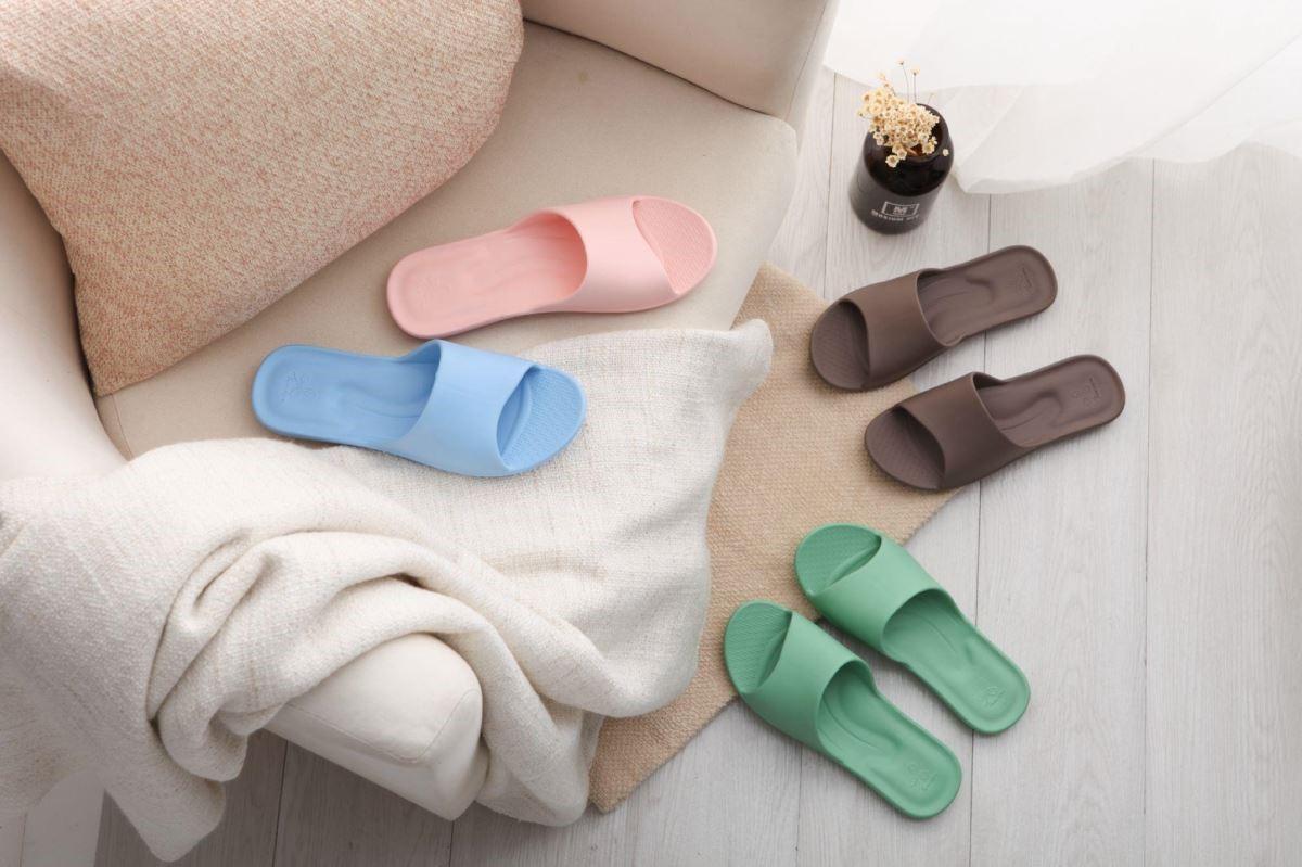 不同材質、配色的設計,讓拖鞋成為居家重要軟件配備之一。