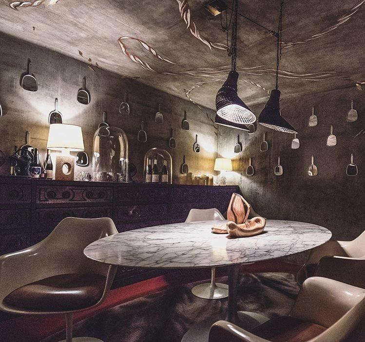 非常有Starck鬼才風格的室內設計(圖片來源自網路)