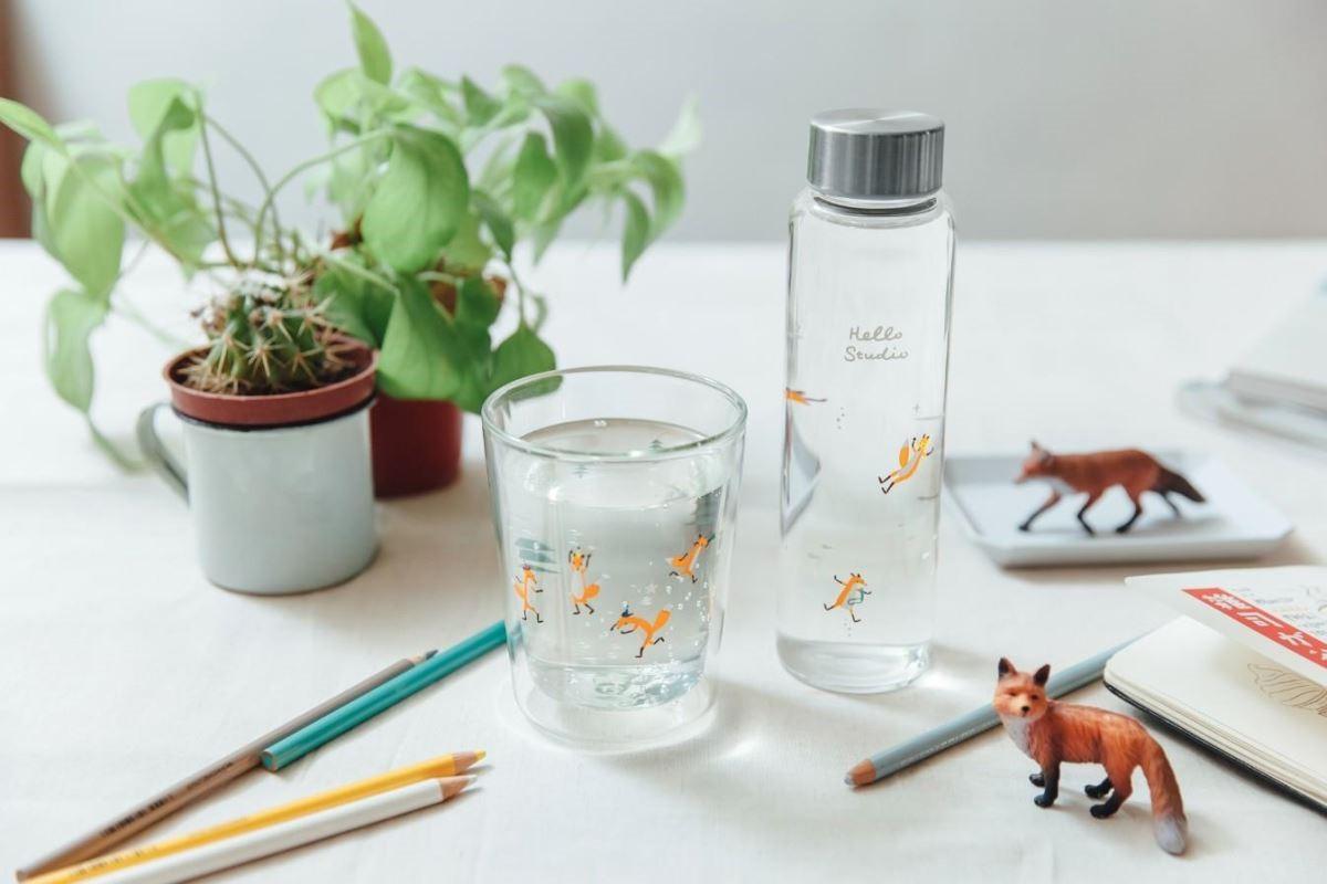 小狐狸為主角的水瓶和玻璃杯產品(壘摳提供)