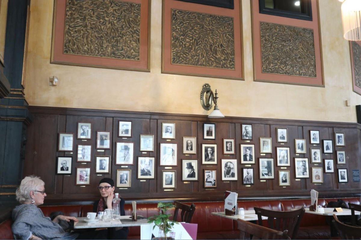 當時光顧過中央咖啡館的詩人、藝術家、思想家及名作家(壘摳提供)