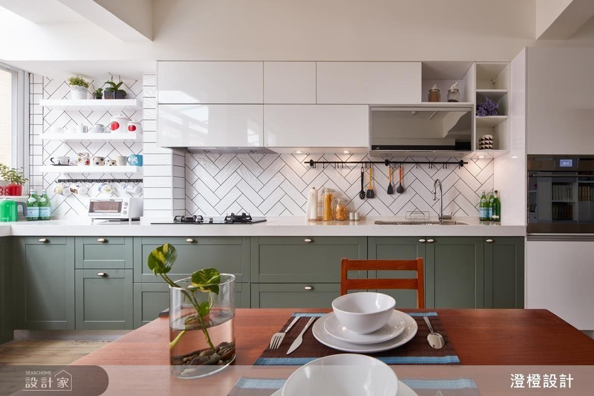 舊家具的重新規劃,不只靈活空間樣貌,也完善收納機能。