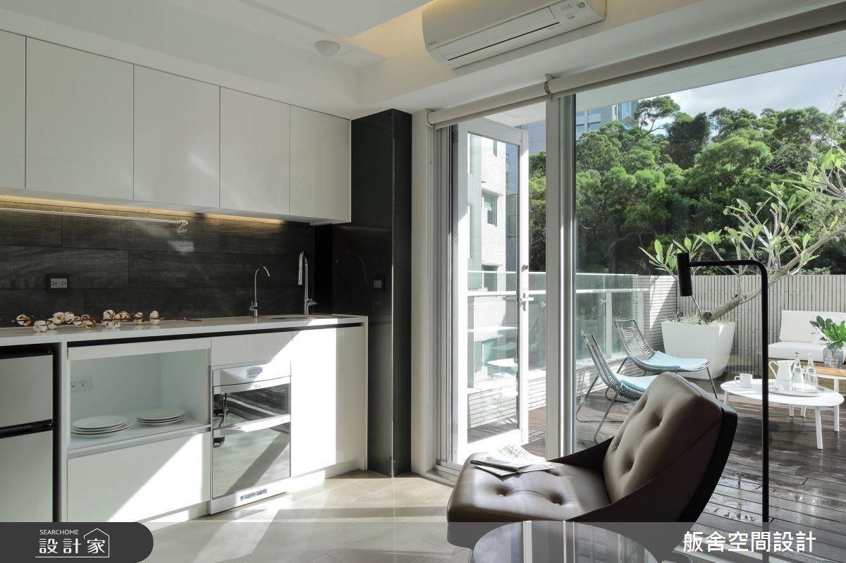 五樓戶外露台規劃,成為屋主與賓客的歡聚天地。