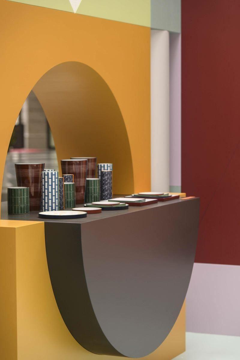 Périmètre 系列瓷器靈感汲取自磚塊、窗柵和欄杆,隨心所欲展現城市景觀元素。