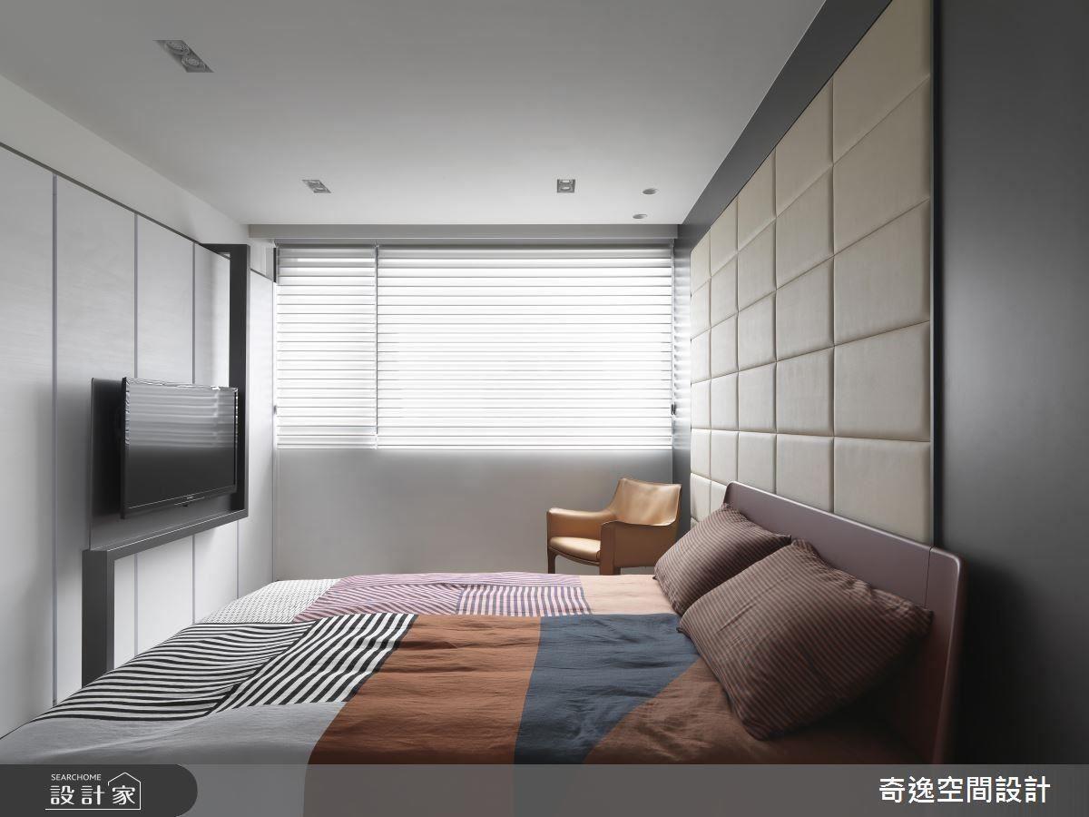 臥房利用黑白色系立面搭配繽紛色彩的寢室佈置,營造時尚年輕感。