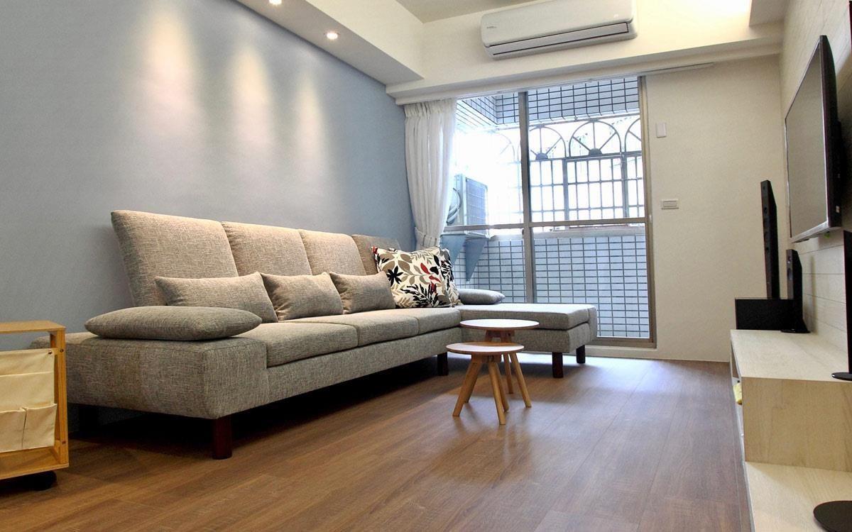 水泱泱沙發 3L,空間不大,仍想要大型、高背的沙發?可以選擇薄型椅背以及低扶手的款式,空間會比較沒有壓迫感。