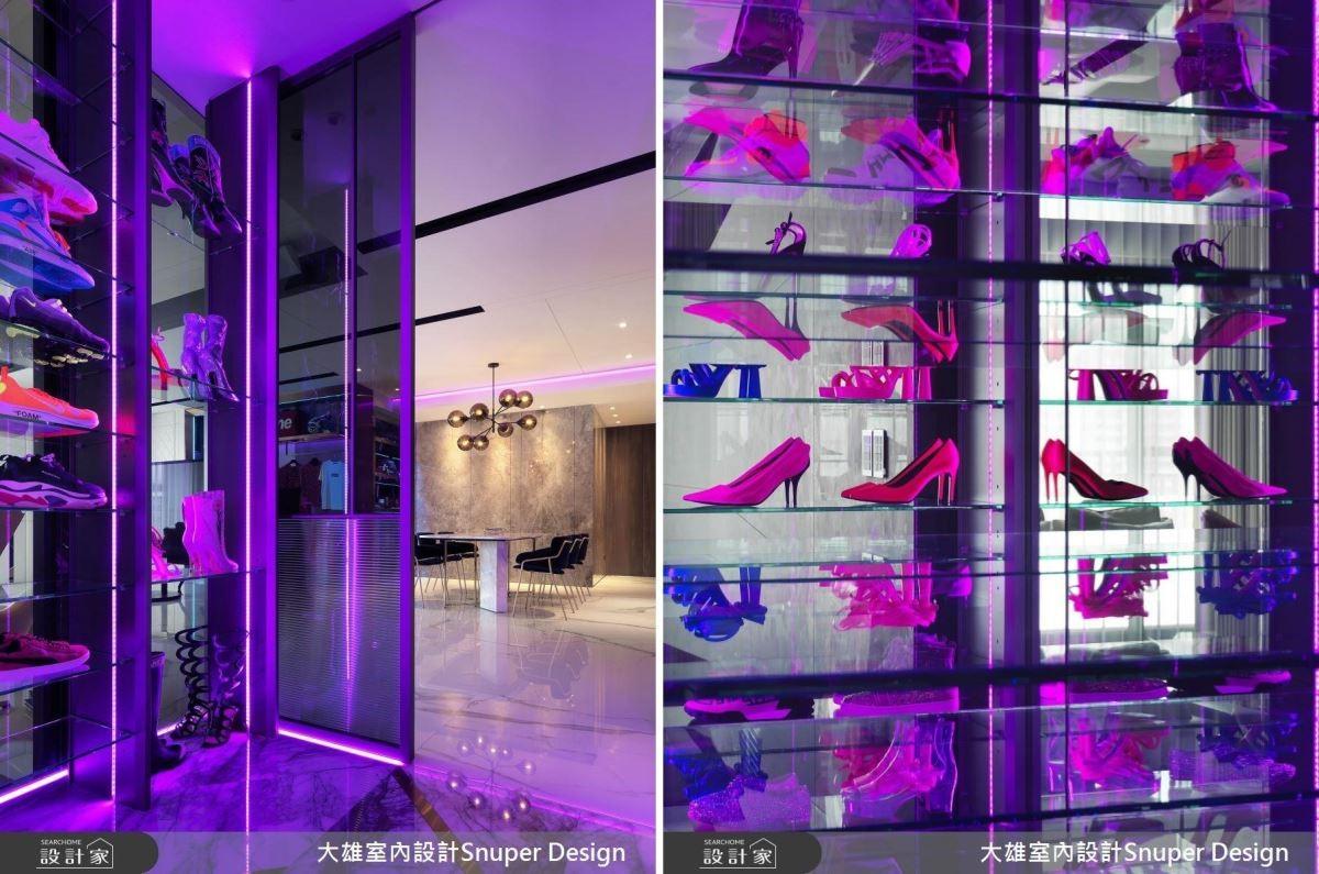 通過情境設備控制鞋櫃的光源色彩,同時搭配鏡面反射,勾勒出豐富想像,同時為居家空間添入前衛時尚的情調。