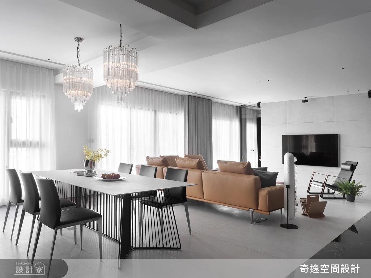 公領域選用大面落地窗,以明亮光線挹注空間舒適性。