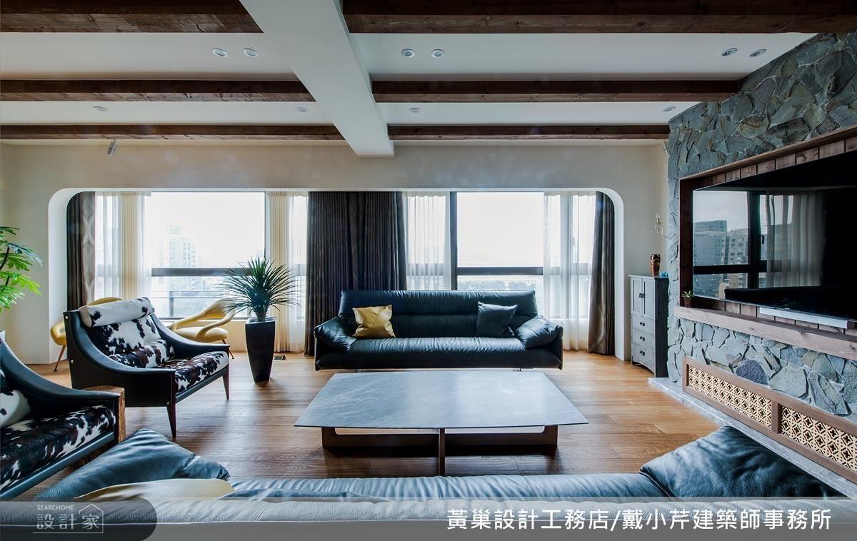 客廳在落地窗大面的陽光意象與電視櫃石材的堆砌下,演繹鄉村風格的樸實底蘊。