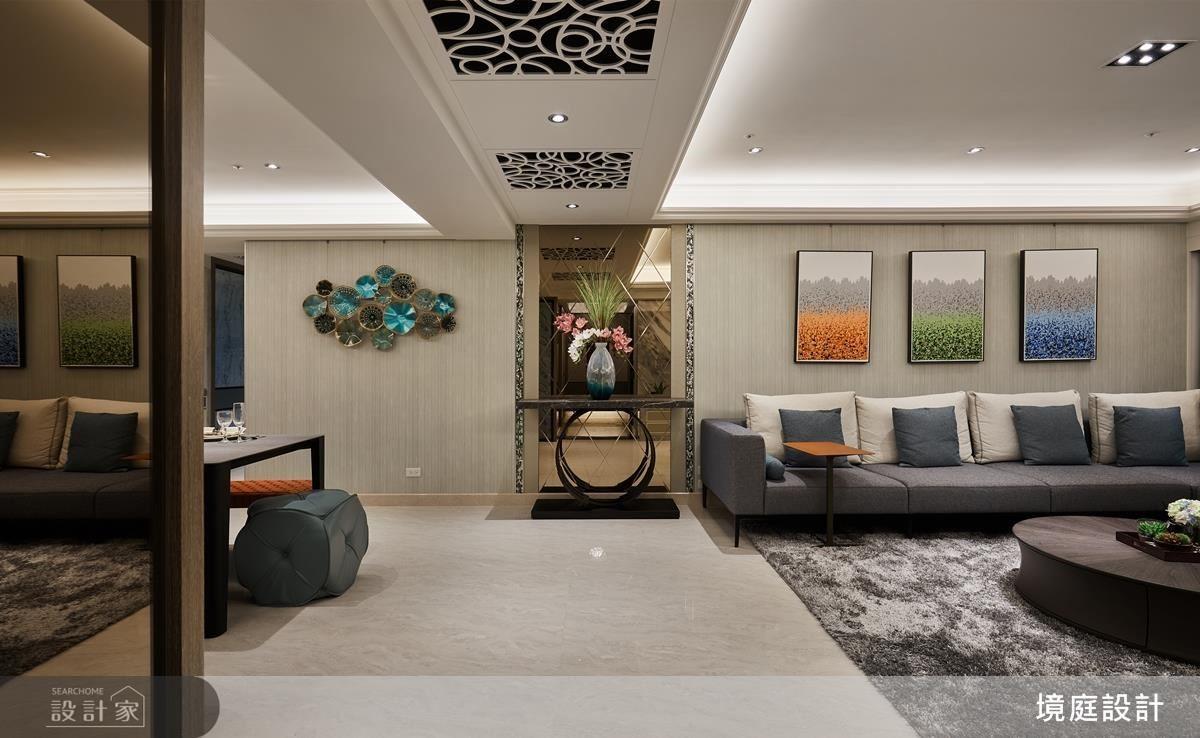 公領域透過鏡面端景放大場域,而菱形切割造型更營造飯店高貴氣勢。