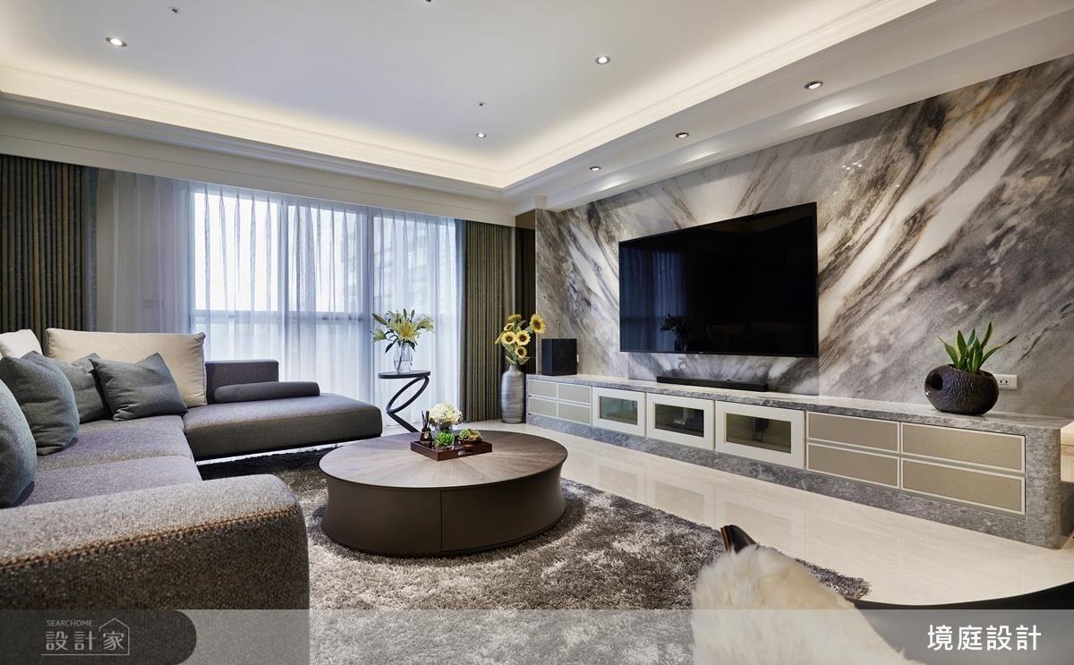 電視牆選用灰階大理石,在流動的紋理中,演繹出場域的磅礡氣勢。