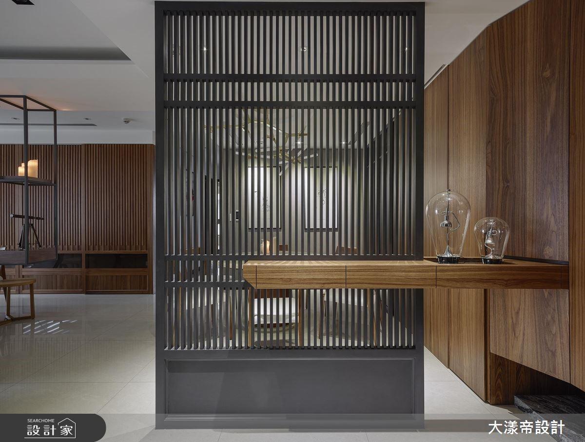 78 坪大宅,設計師依循屋主喜好,於空間中加入略帶日