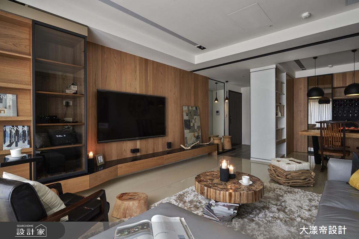 42 坪現代宅的屋主,喜愛極簡的居家風格,因此設計師