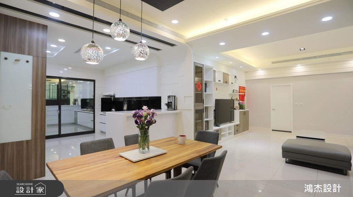 公領域採開放式設計串聯場域,型塑寬敞舒適居家。