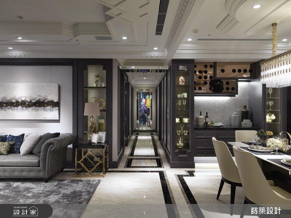 客廳以門框框塑窗戶形狀,創造器度不凡的空間表情。