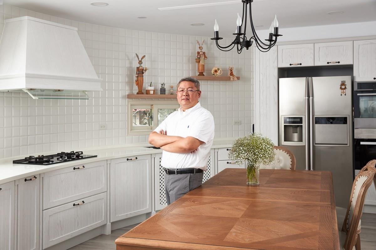 櫻花廚藝生活館北大店經理鄭敏興,與我們分享鄉村風廚房的設計靈感。