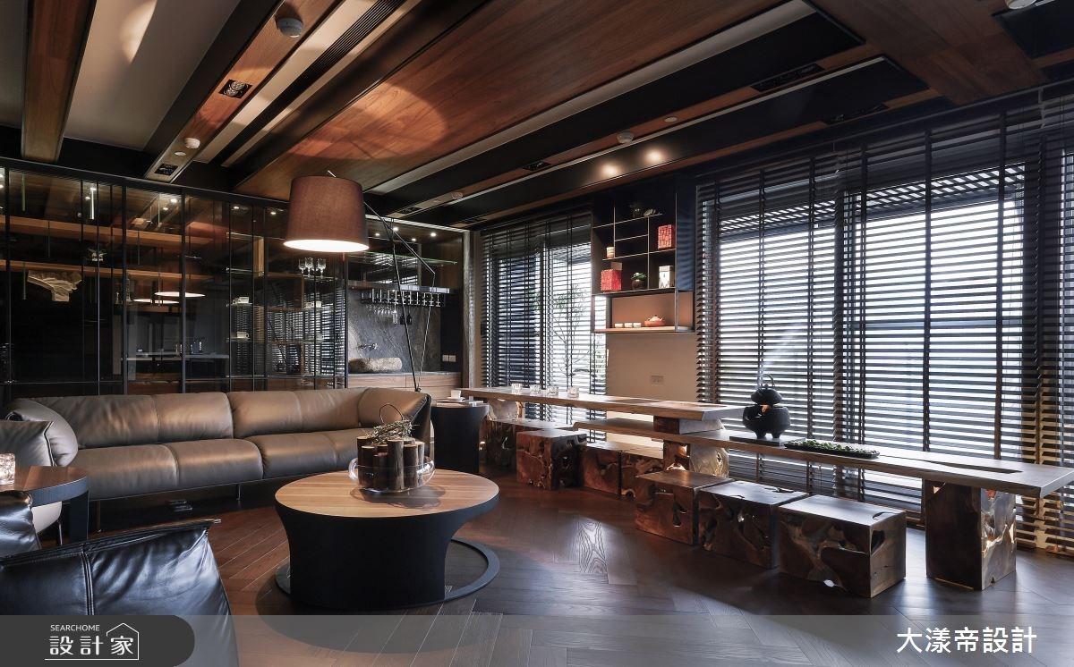 60坪位於淡水河畔的豪宅之居,屋主是一對退休夫婦,期