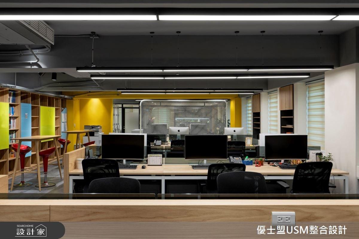 60坪老屋翻新重新創造科技公司形象,整體設計以代表品