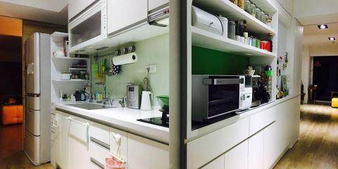 什麼?! 冰箱和水槽間的小縫隙也能收納!  10招你想不到的廚房收納法