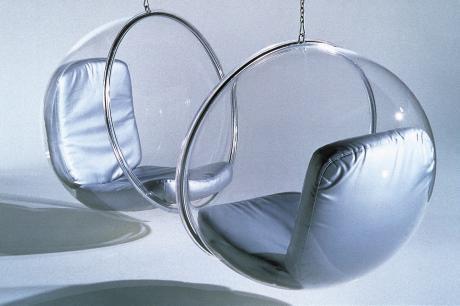 在家乘著「泡泡椅」, 暫時離開地球表面吧!