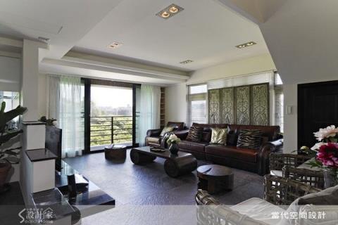 空間留白與自然可親的木石,混搭出隨興自在的現代休閒宅