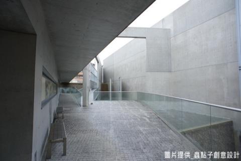 與設計師進行日式建築的探索之旅─安藤忠雄的光之教堂