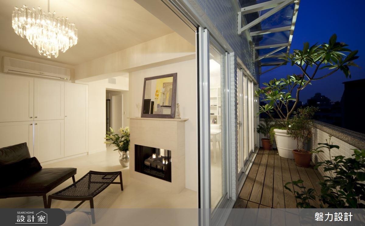 27坪新成屋(5年以下)_現代風客廳陽台案例圖片_Keystone design 磐力設計_磐力_雅白之韻之2