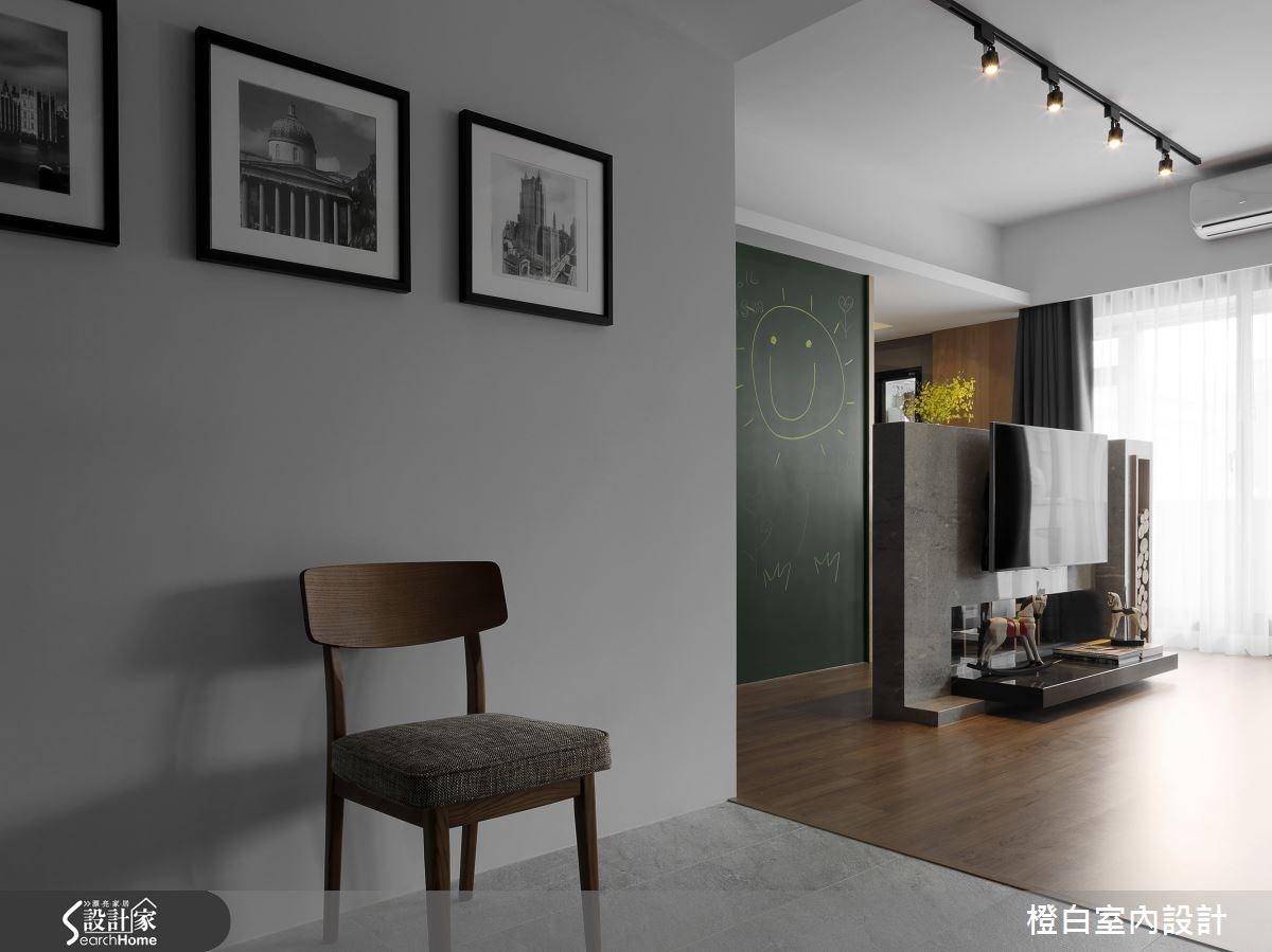 34坪老屋(16~30年)_現代風玄關案例圖片_橙白室內裝修設計工程有限公司_橙白_49之2