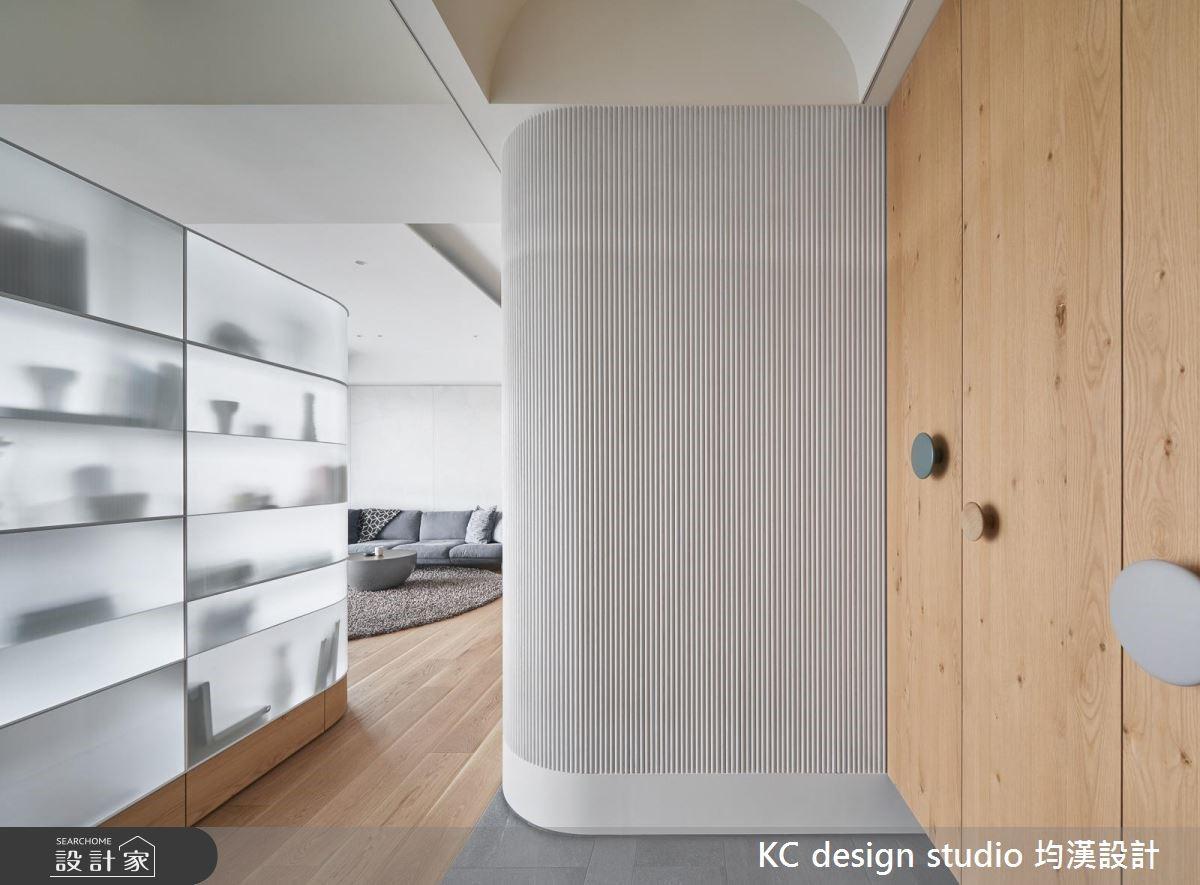 41坪新成屋(5年以下)_混搭風玄關走廊案例圖片_KC design studio 均漢設計_KC_28之1