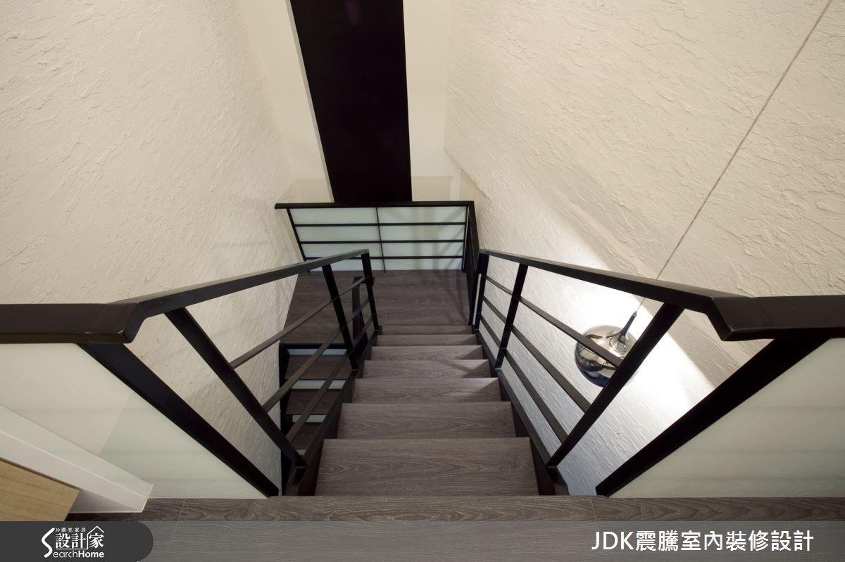 120坪老屋(16~30年)_現代風樓梯案例圖片_震騰室內裝修設計工程有限公司_震騰_11之4