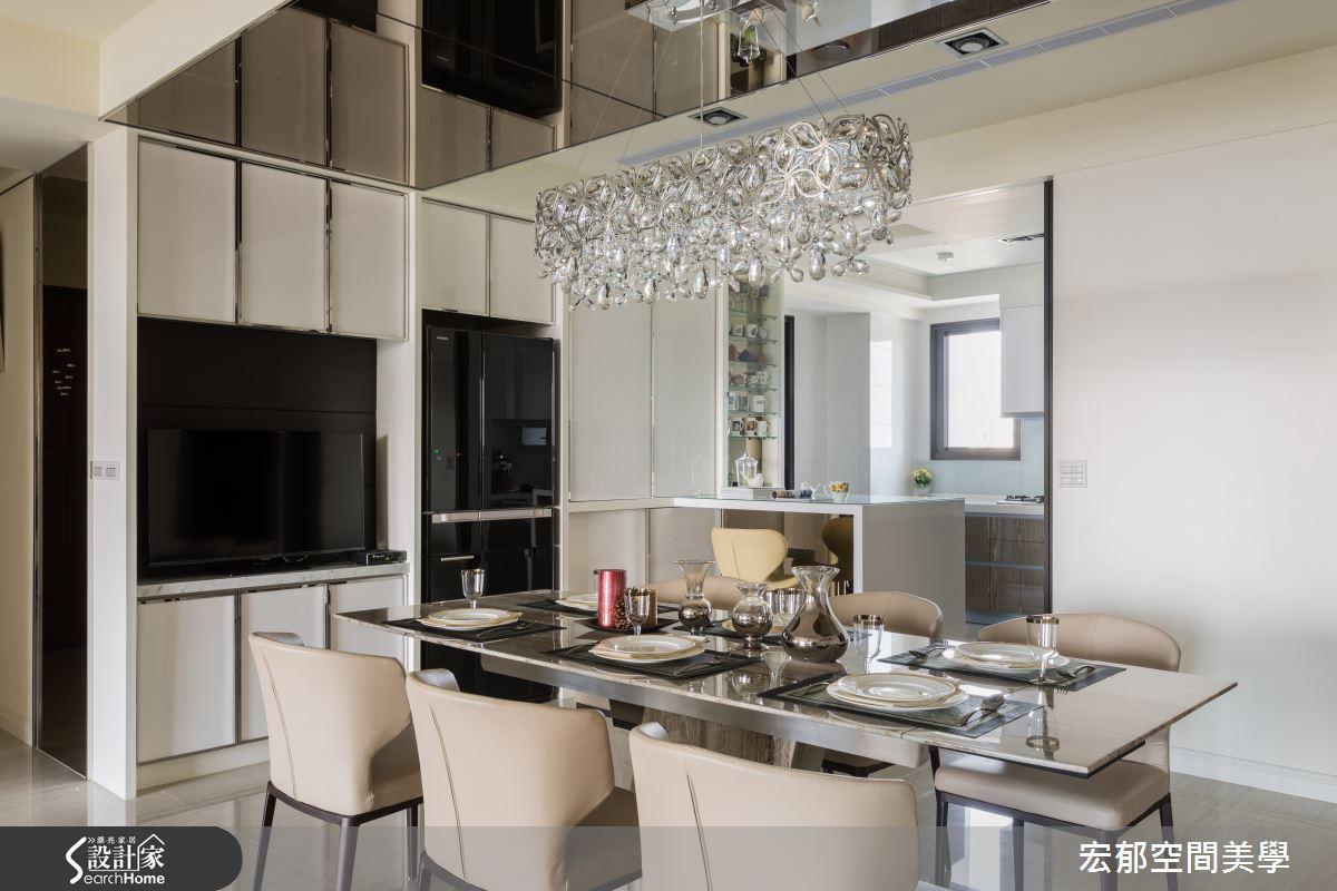 善用轉角小空間 打造 55 坪純白鏡屋光感生活