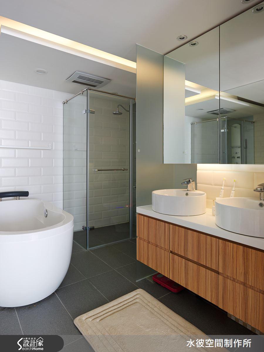 小而美的四件式衛浴,小空間卻能擁有雙面盆