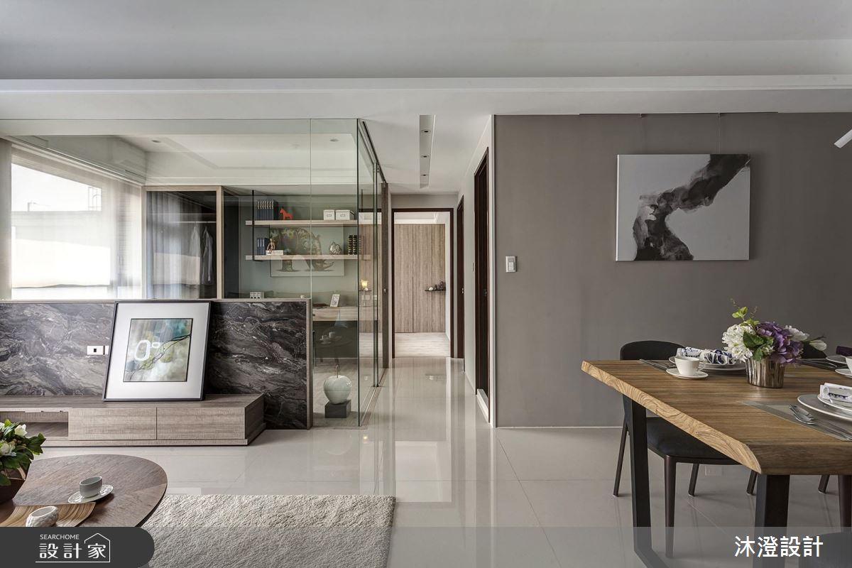 玻璃隔間牆的穿透力! 讓現代風家屋自動放大一倍