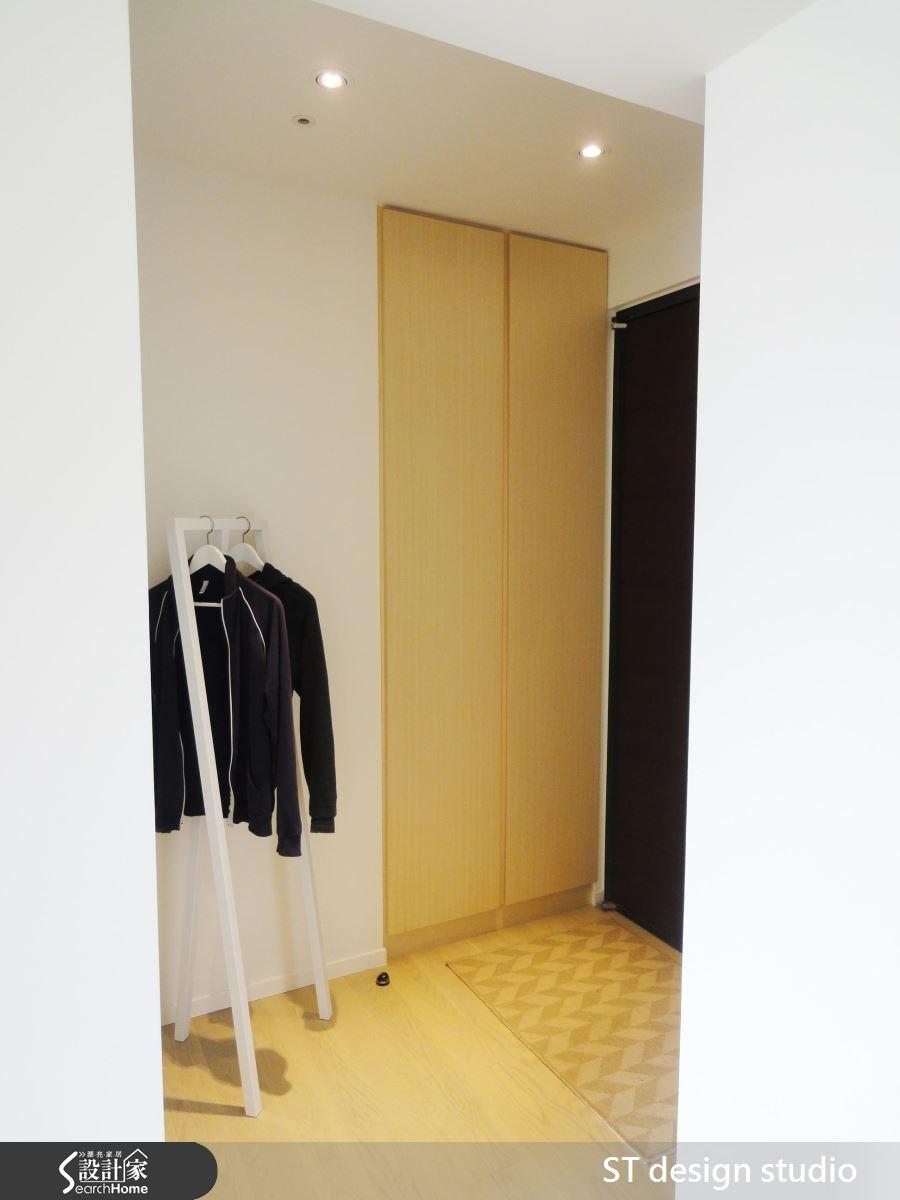 25坪新成屋(5年以下)_簡約風玄關案例圖片_ST design studio_ST_03之1