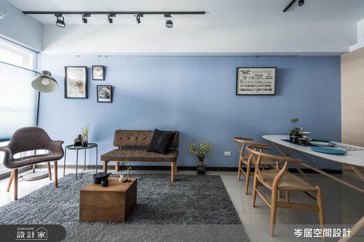 18 坪的輕裝修收納!移動式家具創造兩人一狗的生活平衡