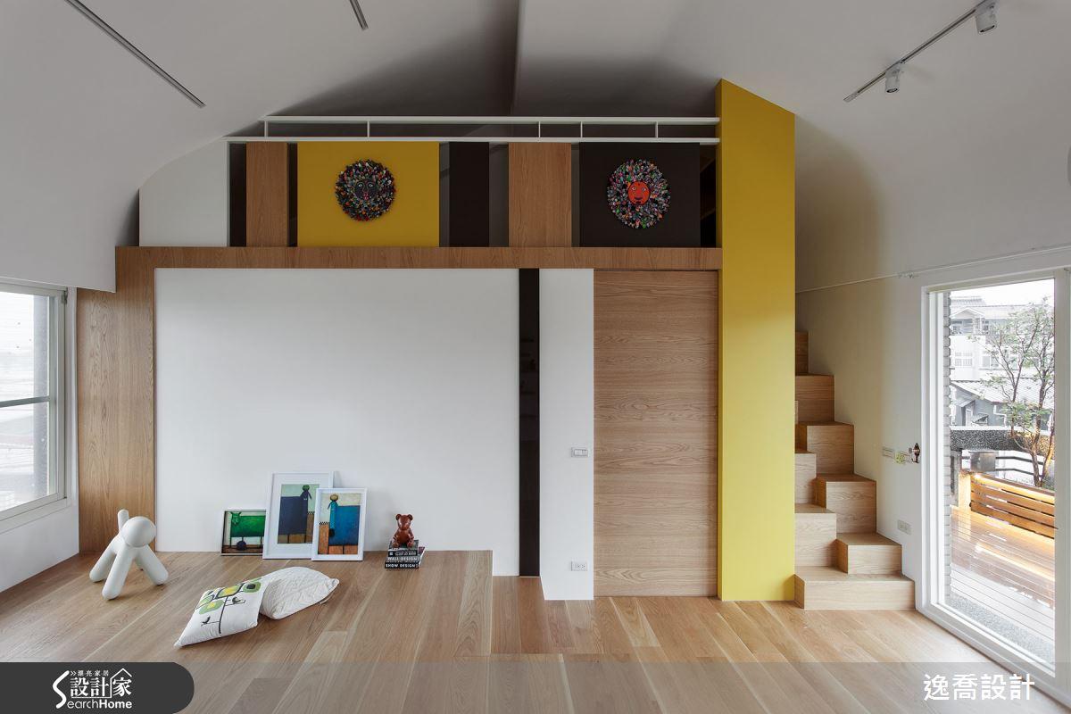 通往閣樓的樓梯採用錯落的立體方塊構成,節省空間的同時也獨具創意。