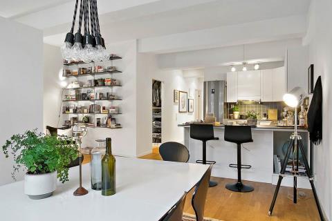 清爽無比! 帶有些許工業感的明亮北歐公寓設計