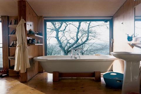 15 個擁有令人屏息美景的超驚人浴室
