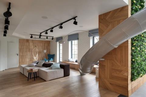 不出門也能在家溜滑梯! 烏克蘭的俏皮公寓設計