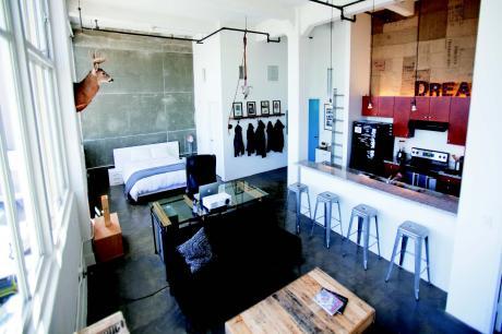 在藝術特區打造自我風格  室內設計師的個性居家。Christopher