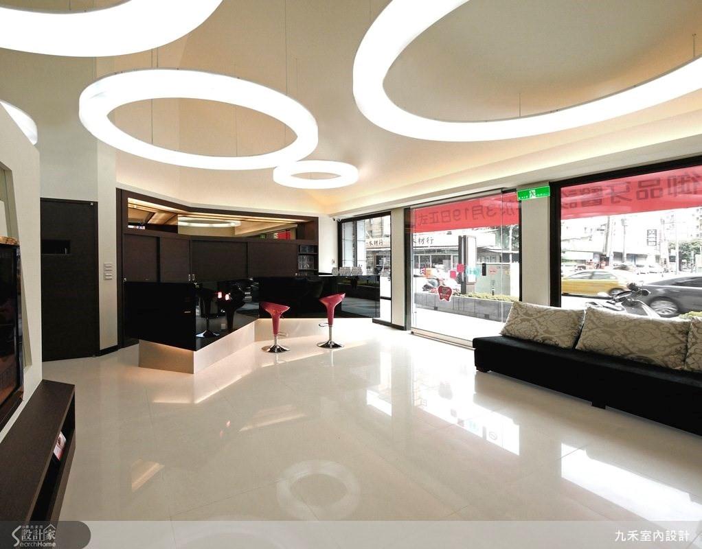 破解冰冷印象,夾層空間塑造6米高現代簡約診所
