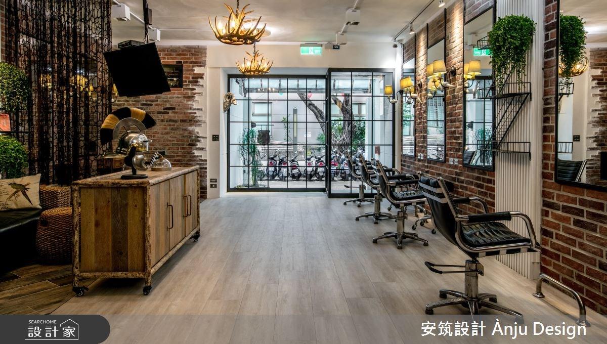 與自然綠意的獨特混搭!老屋變身 34 坪潮流時尚髮廊